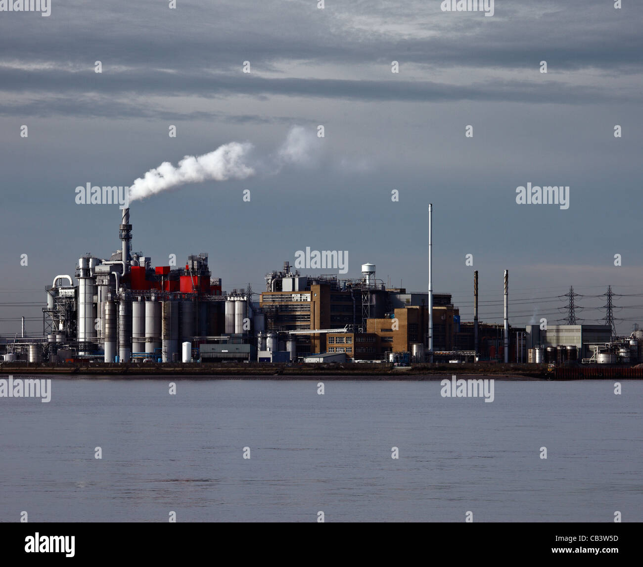 Proctor and Gamble chemical factory, West Thurrock, River Thames, London. - Stock Image