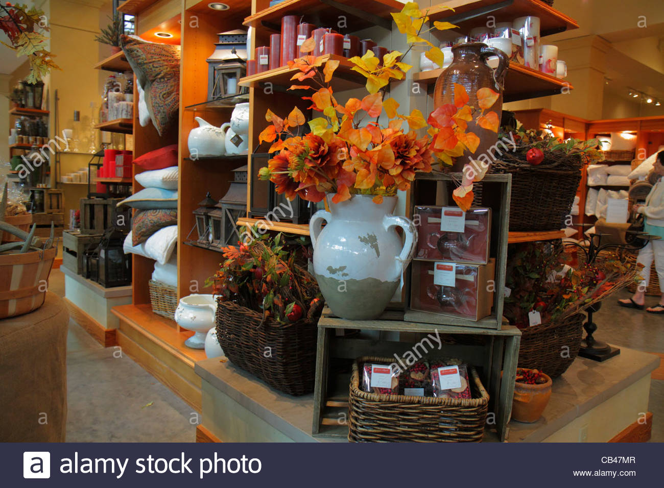 home decor stores boca raton pottery barn stock photos amp pottery barn stock images alamy 12439