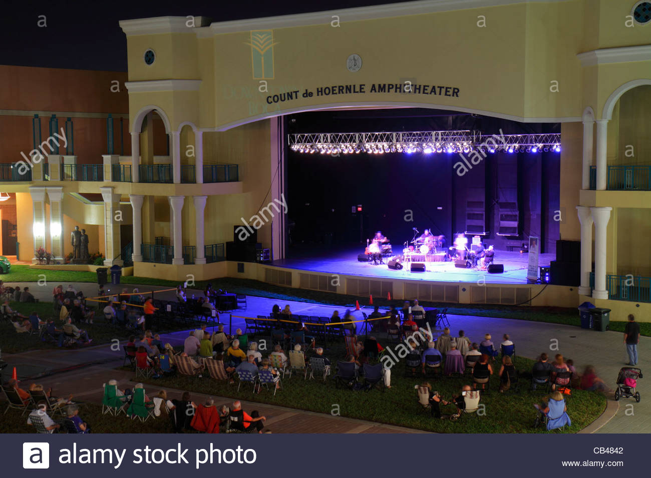 Mizner Park Plaza Real Stock Photos Amp Mizner Park Plaza