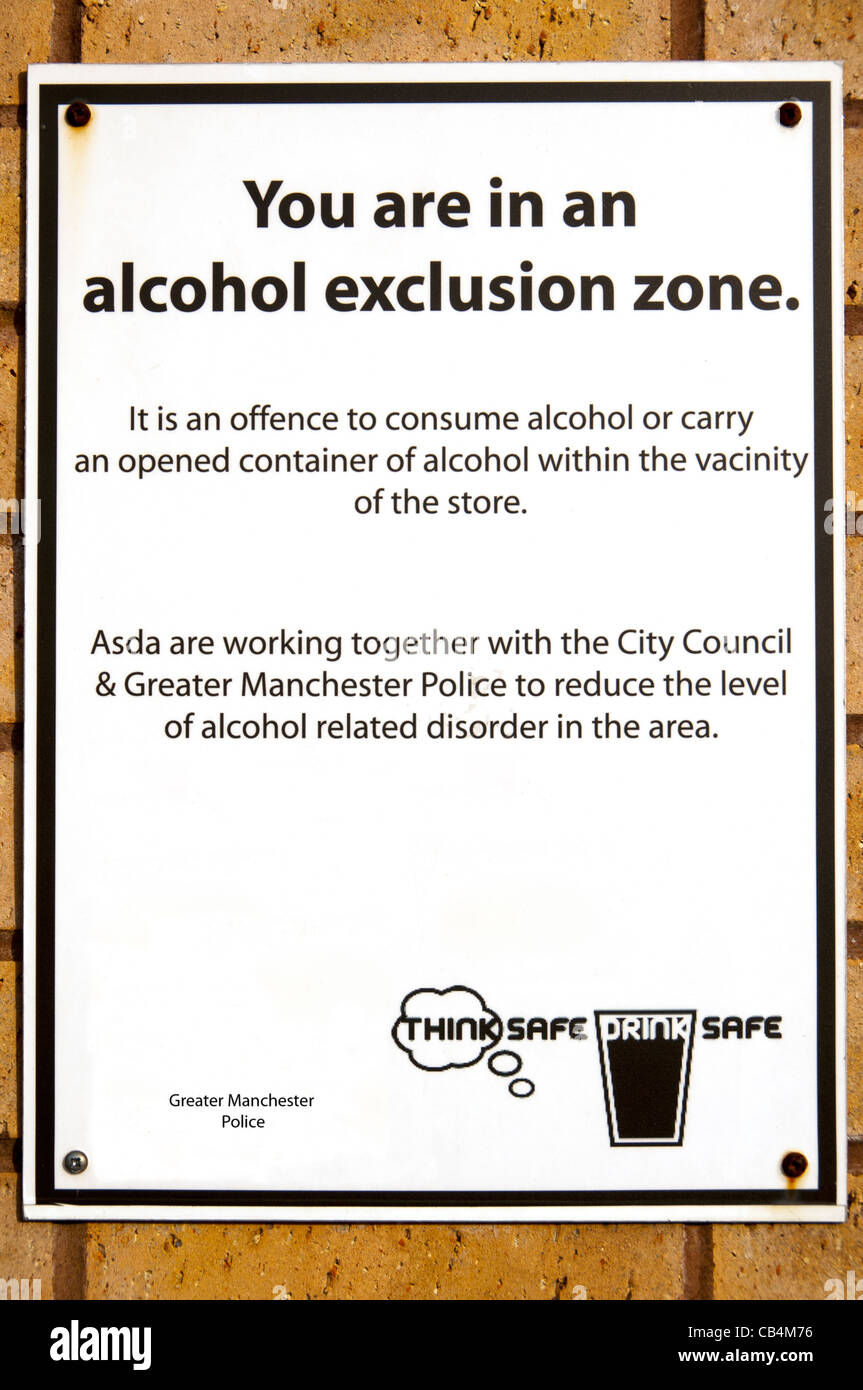 Police 'Alcohol Exclusion Zone' sign with a spelling mistake, Eastlands, Manchester, England UK. 'vicinity' - Stock Image