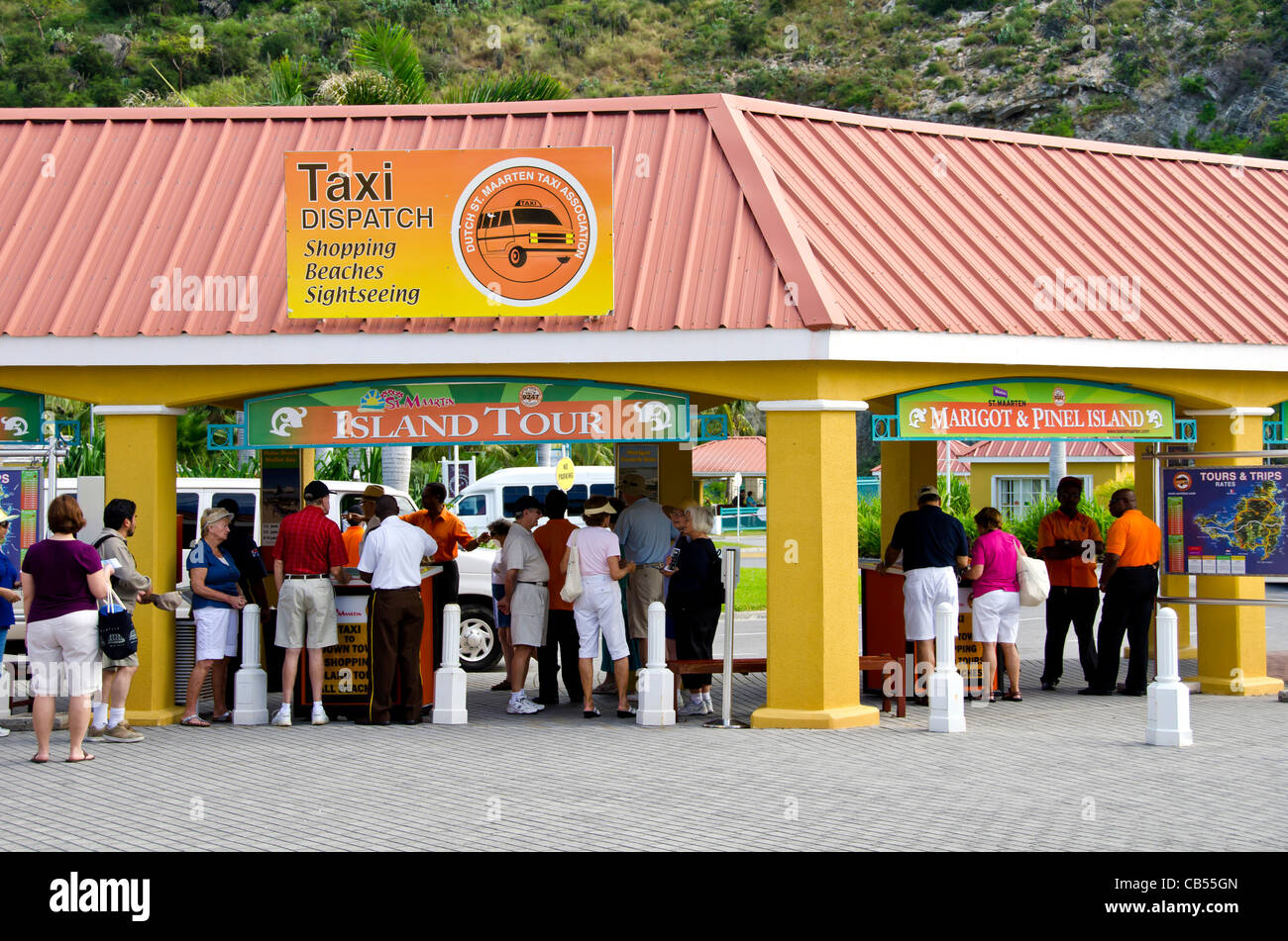 St Maarten cruise port taxi and tour pickup area - Stock Image
