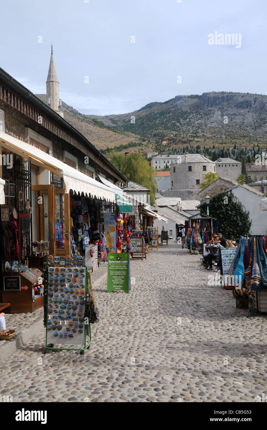 Souvenir shops and stalls lining Onešćukova, in the old town of Mostar, Herzegovina-Neretva, Bosnia & Herzegovina - Stock Image