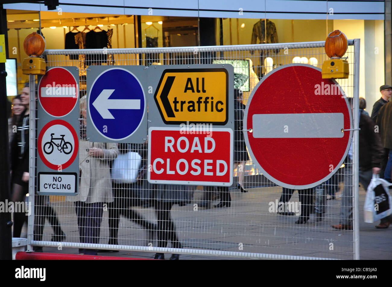 Road closed sign on Oxford Street, City of Westminster, London, Greater London, England, United Kingdom - Stock Image