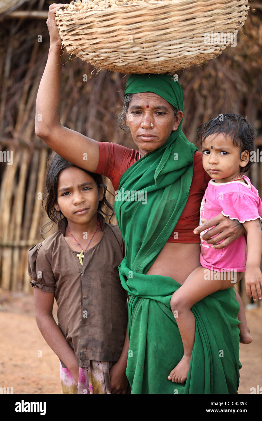 Poor Rural Mother With Children Andhra Pradesh South India Stock