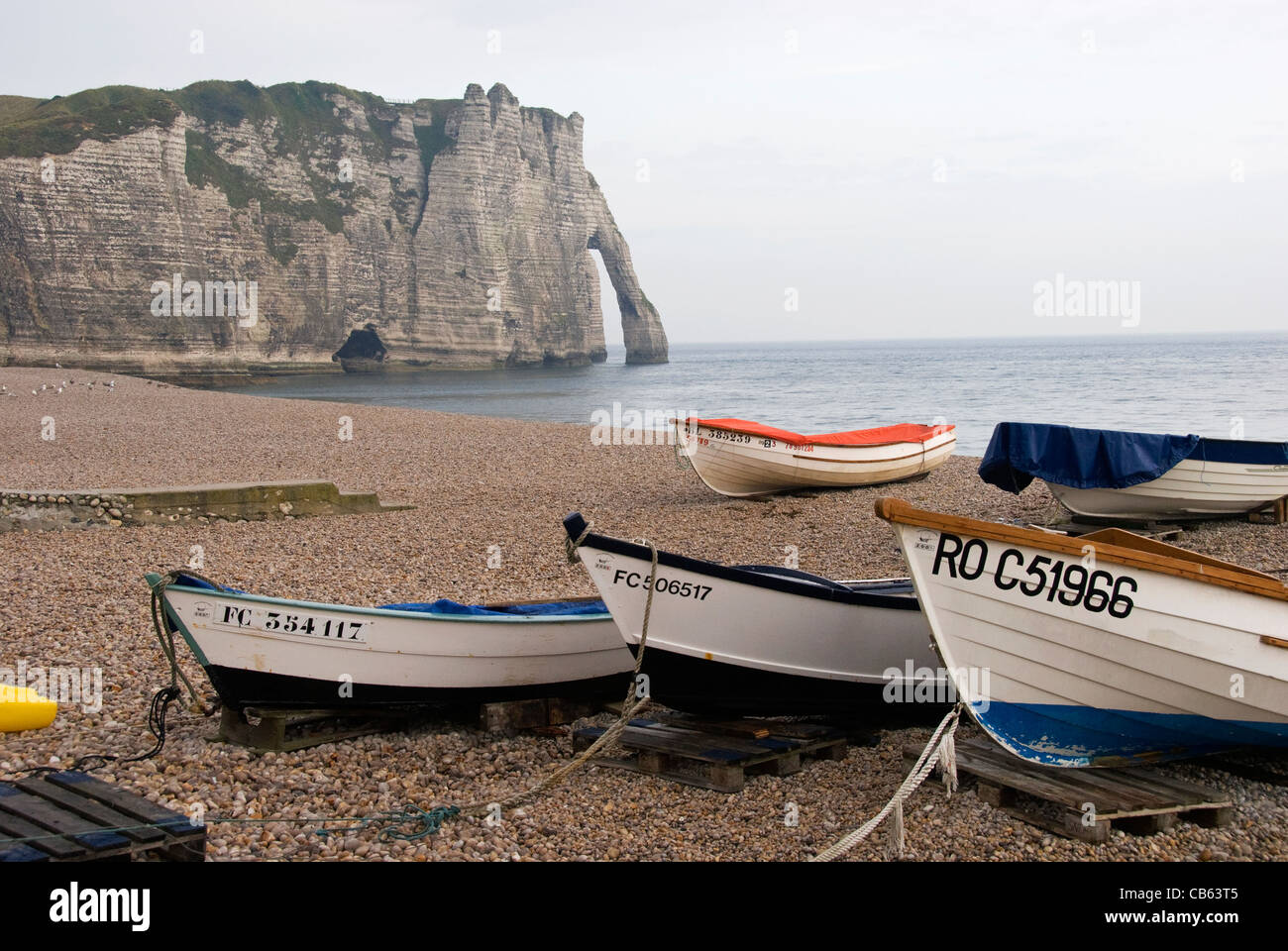 Elk196-1214 France, Normandy, Etretat, town where Monet painted, beach and boats - Stock Image