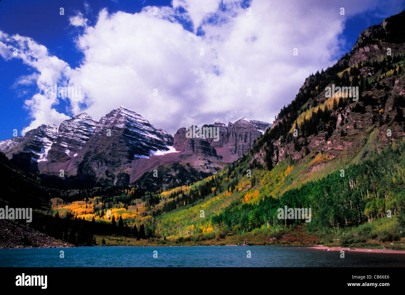 Maroon Lake Maroon Bells peaks in White River National Forest near Aspen Rocky Mountains Colorado USA - Stock Image