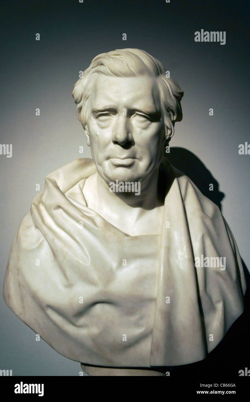 Marble portrait bust of Victorian artist David Cox by Peter Hollins. Birmingham Museum and Art Gallery, UK - Stock Image