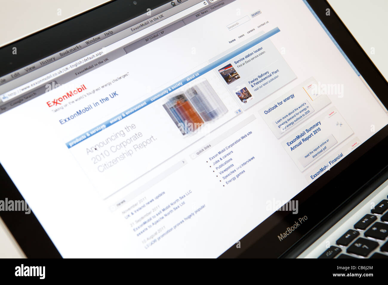 Exxon Mobil Corporation Website Screen shot of web page - Stock Image