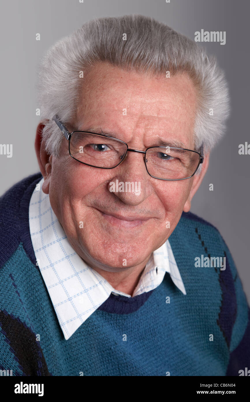 e4e6998660e Portrait of an old man smiling