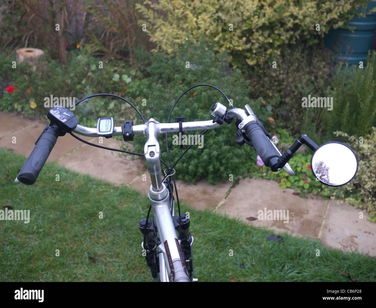 traditional handlebars on an electric bicycle - Stock Image