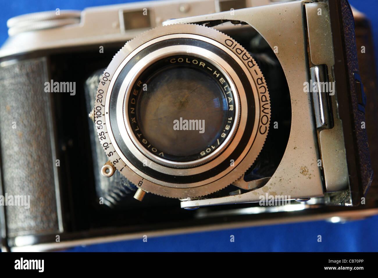 A vintage Voigtlander Bessa II folding bellows camera - Stock Image