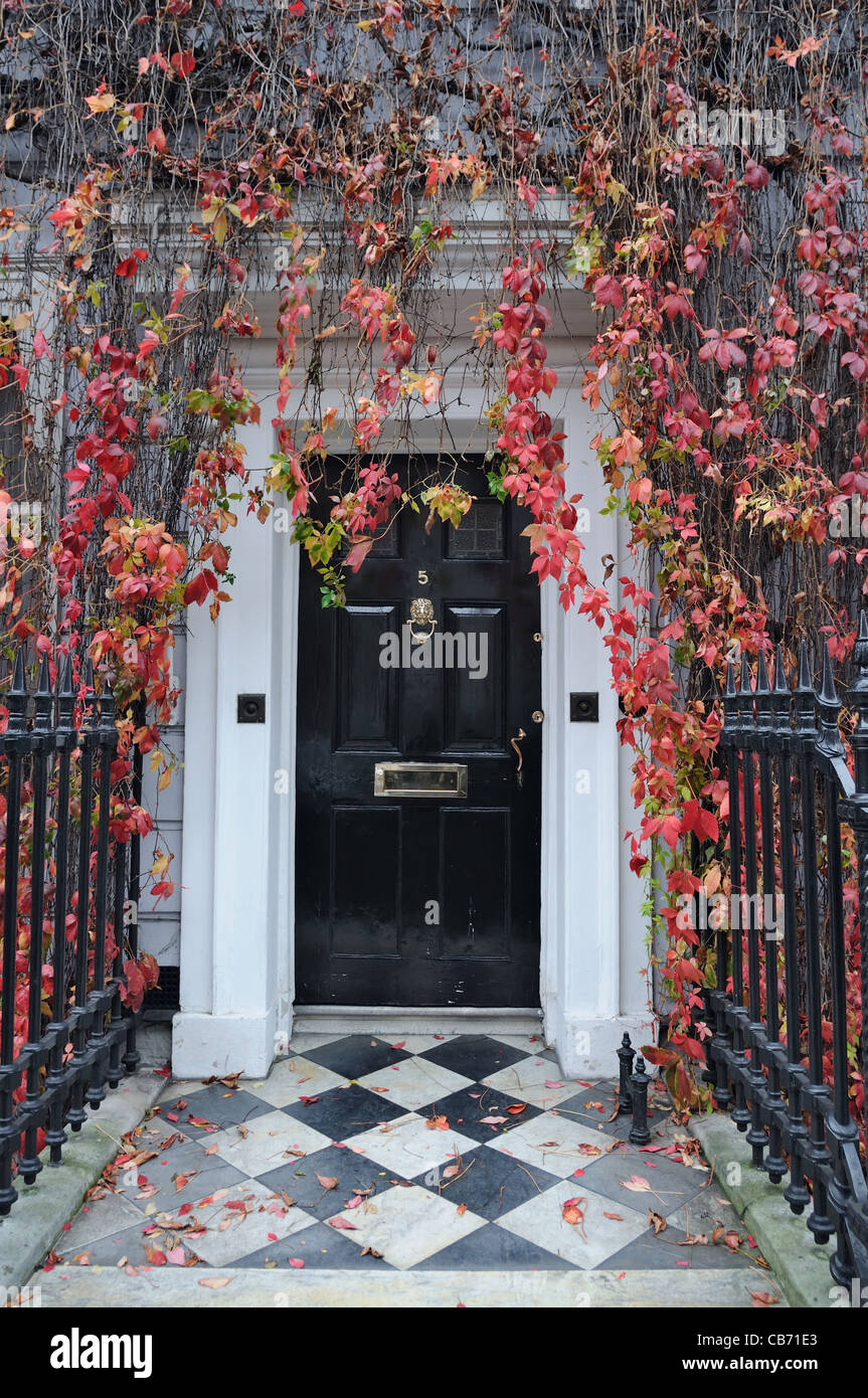 London front door in a classic Victorian mansion. - Stock Image & London Door Edwardian Door Stock Photos \u0026 London Door Edwardian Door ...