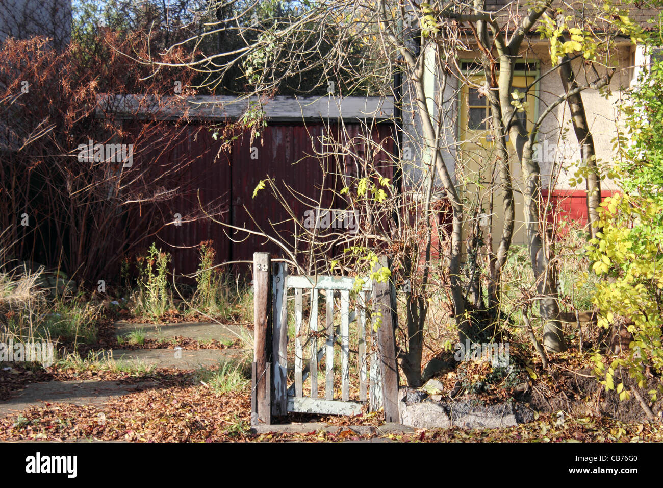 Suburban house unkempt and in a state of disrepair, Enfield, Middelsex. - Stock Image