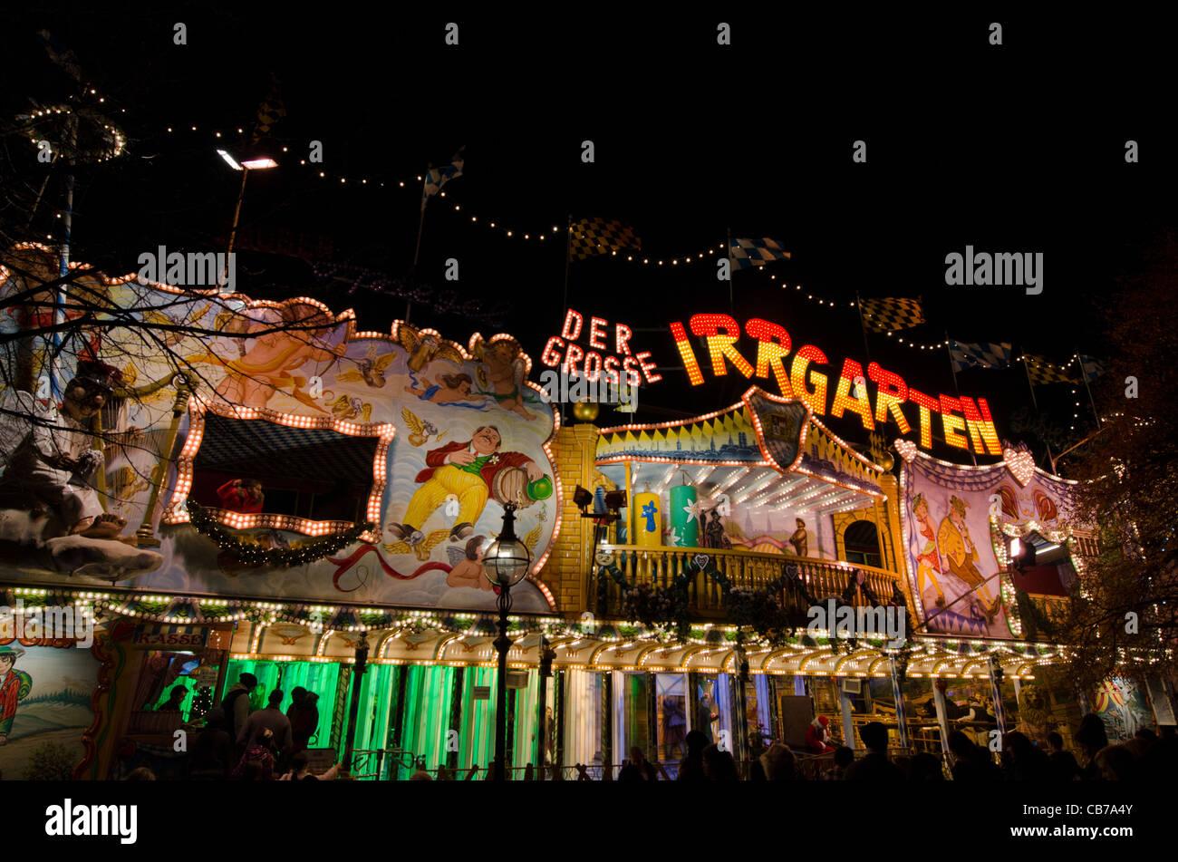 Der Grosse Irrgarten stall Hyde Park Winter Wonderland lights. 2011 - Stock Image