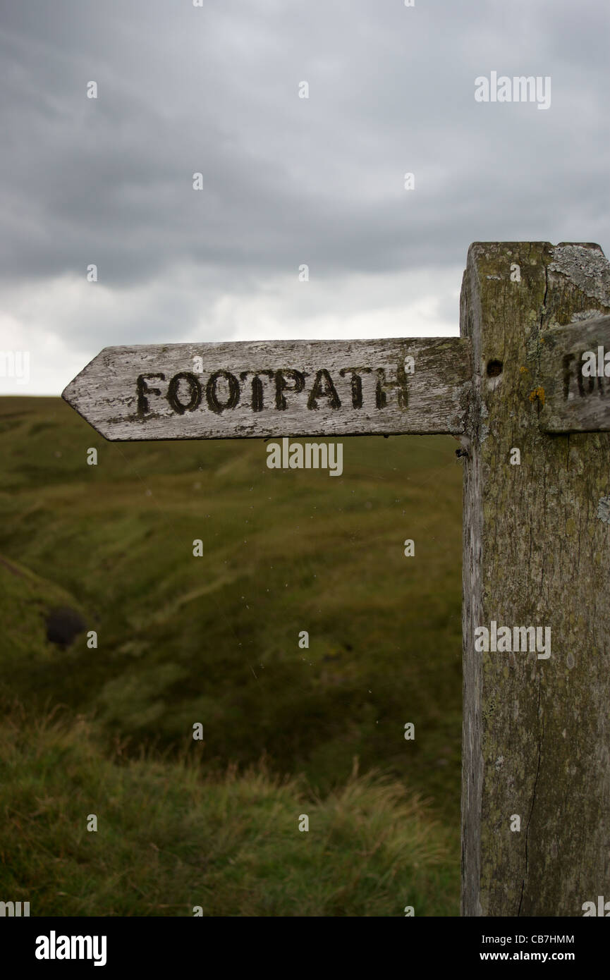 Footpath sign at Robert's Seat on the Pennine Way near Keld,  Yorkshire Dales National Park, North Yorkshire, - Stock Image
