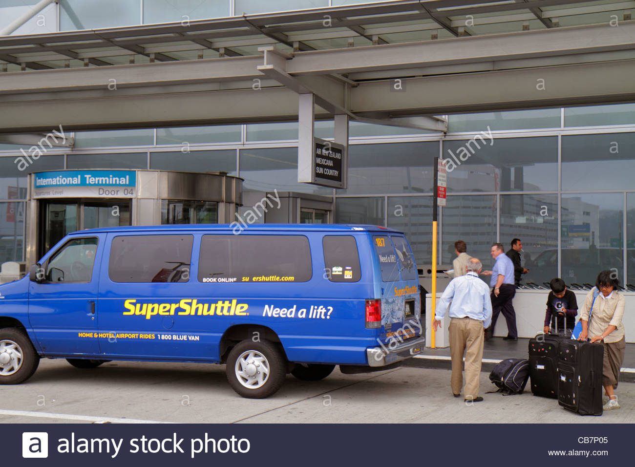 San Francisco is great for quick weekend trips or longer vacations. Reserve an airport shuttle or black car to and from SFO or around town! Use SuperShuttle to get to and from the airport and then use ExecuCar while you're in town for transportation to restaurants and attractions.