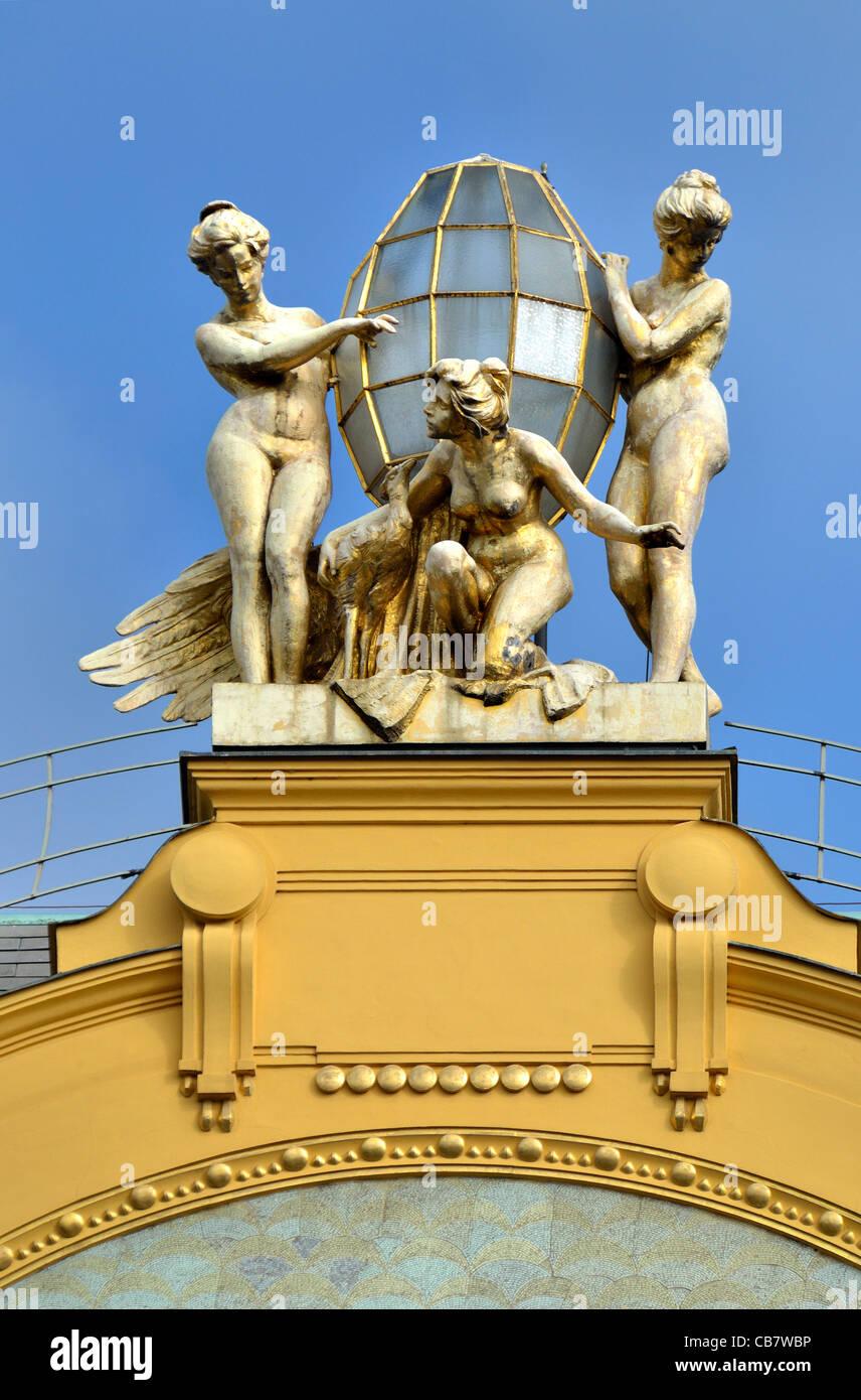 Prague, Czech Republic. Wenceslas Square / Vaclavske namesti. Hotel Europa (1904; Alois Dryak / Bedrich Bendelmeyer) - Stock Image