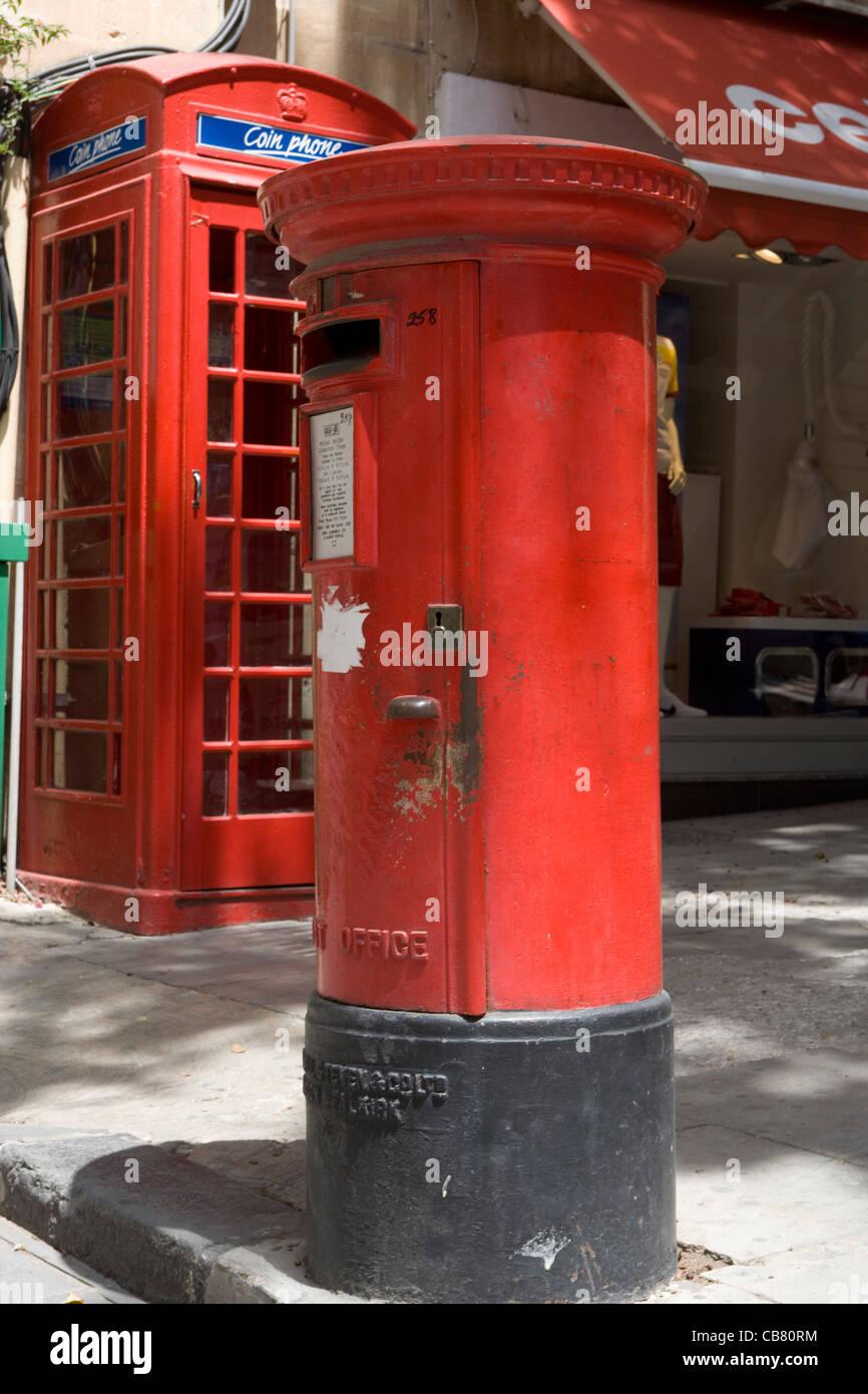 Valletta: British post-box & telephone box - Stock Image