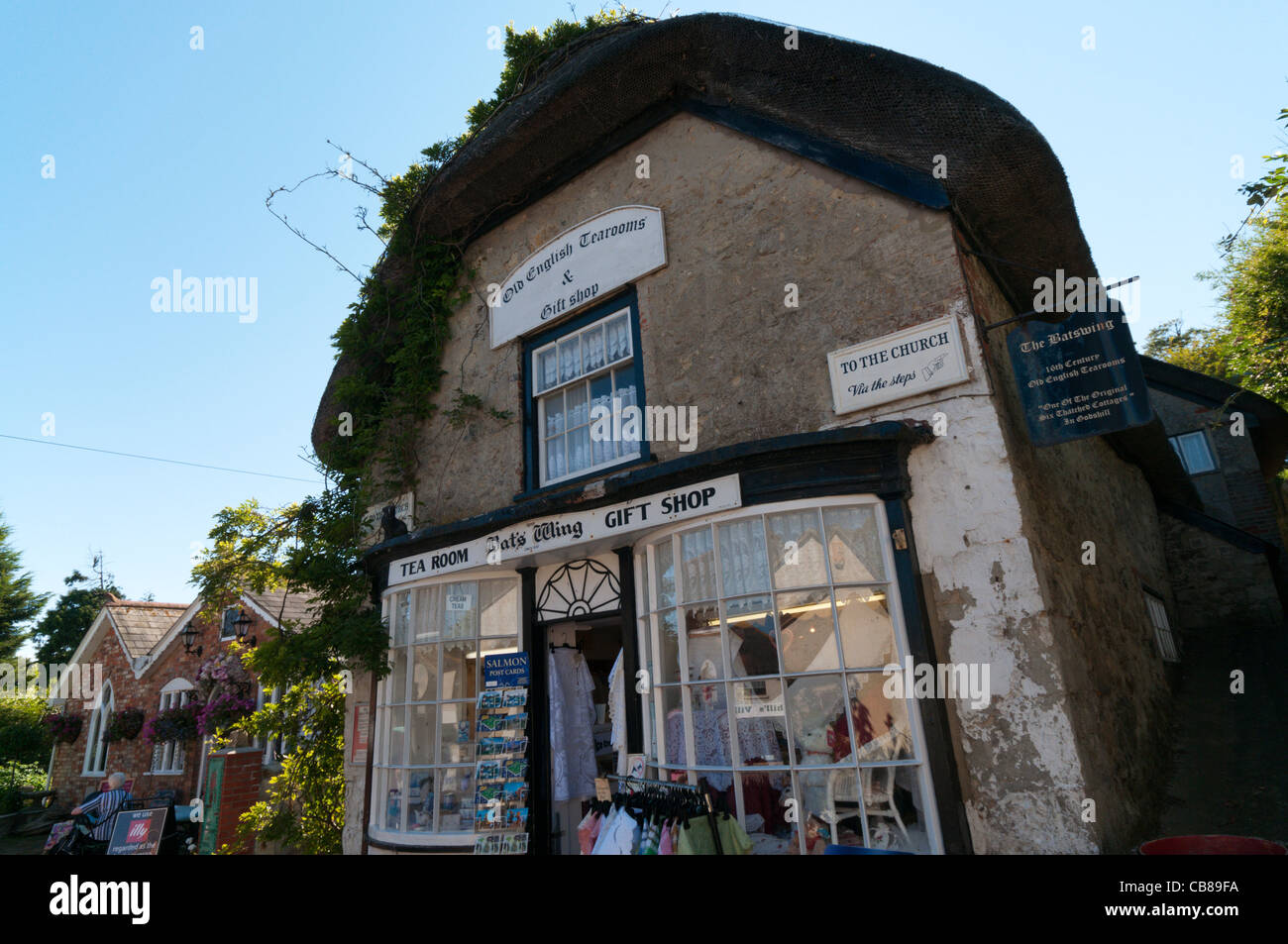 The Bat's Wing tearooms and gift shop in a 17th century cottage in Godshill on the Isle of Wight Stock Photo