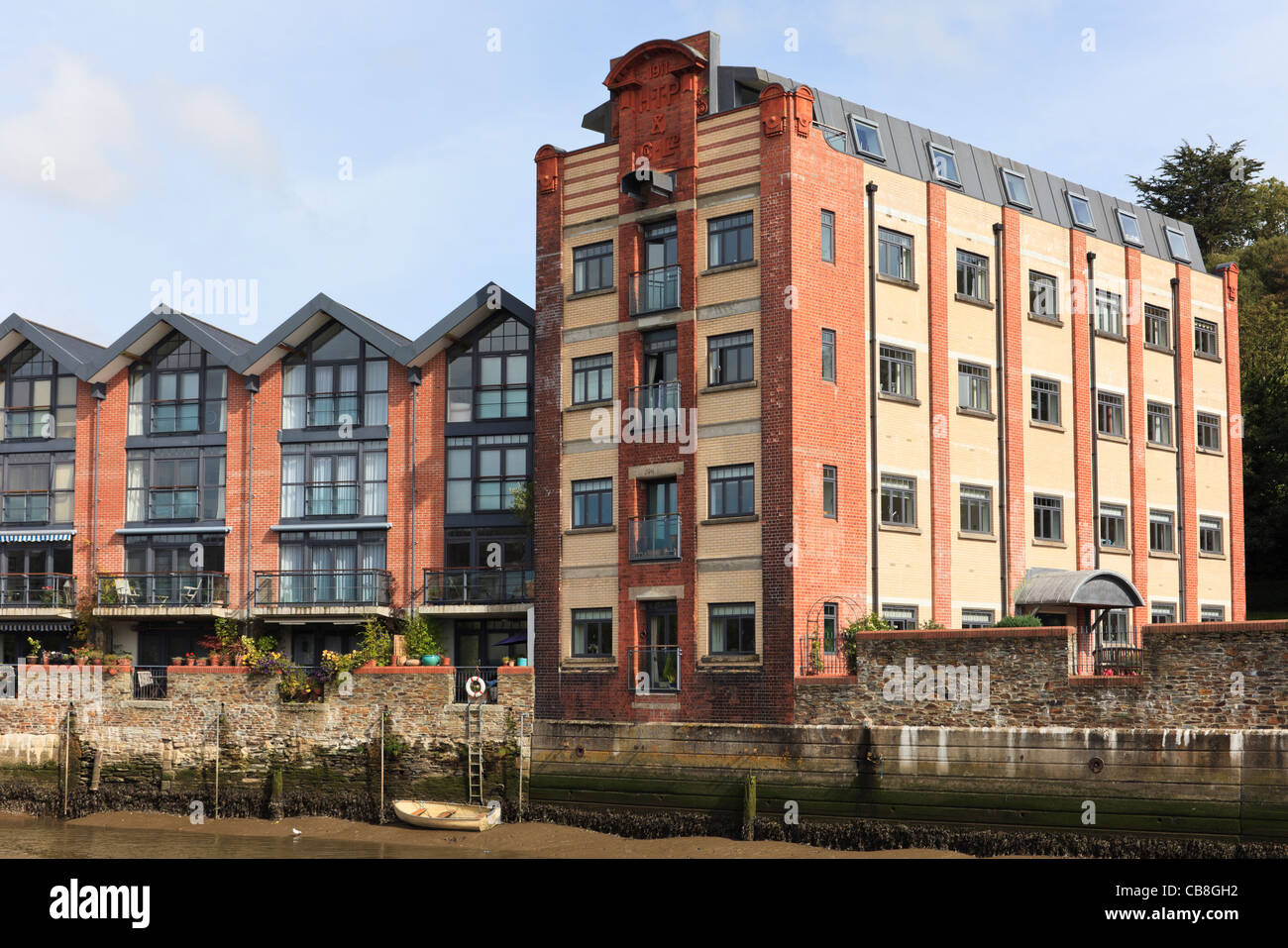 Old Warehouse Building Converted Into Modern Riverside Apartments In Truro,  Cornwall, England, UK, Great Britain.