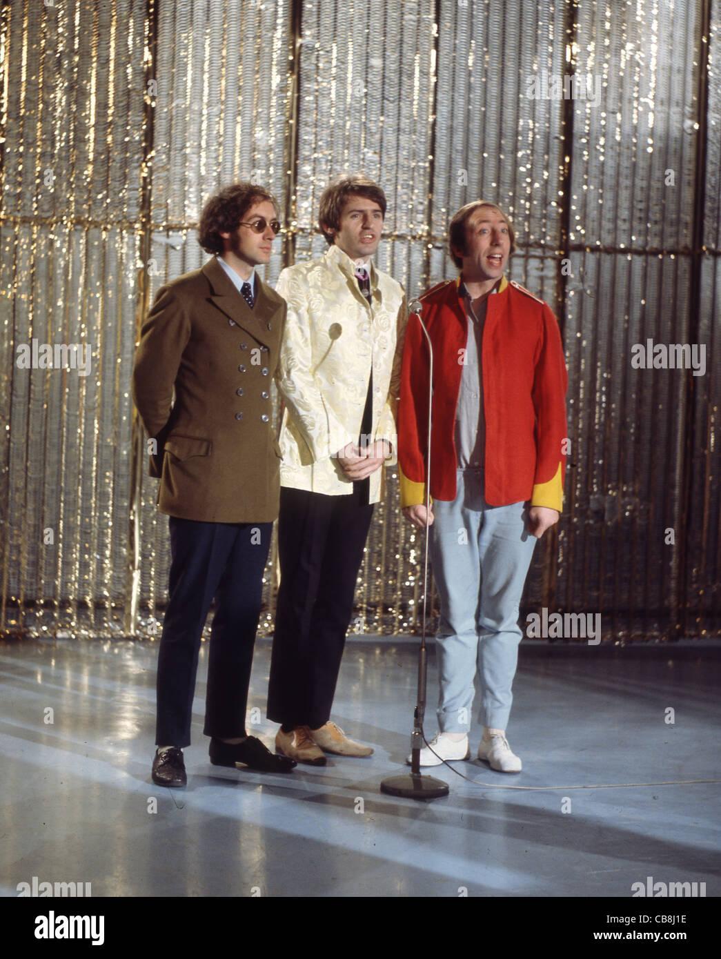 SCAFFOLD UK pop trio in December 1967 from left: John Gorman, Mike McGear, Mike McGough. Photo Tony Gale Stock Photo