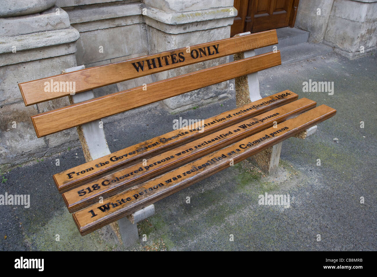 Cape Town: Apartheid era benches outside law courts in Queen Victoria Street - Stock Image