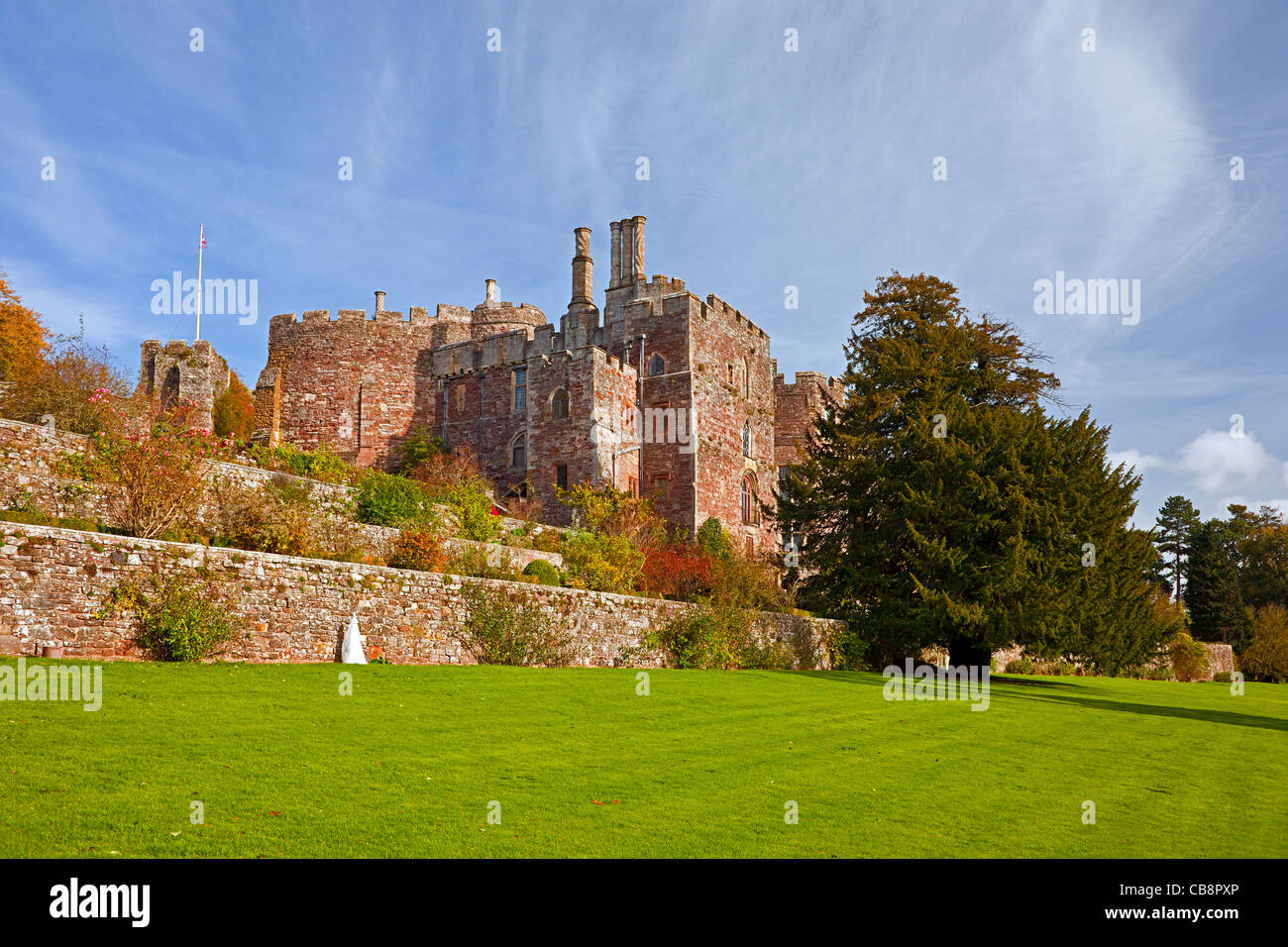 The terraced gardens at Berkeley Castle, Gloucestershire, England, UK - Stock Image