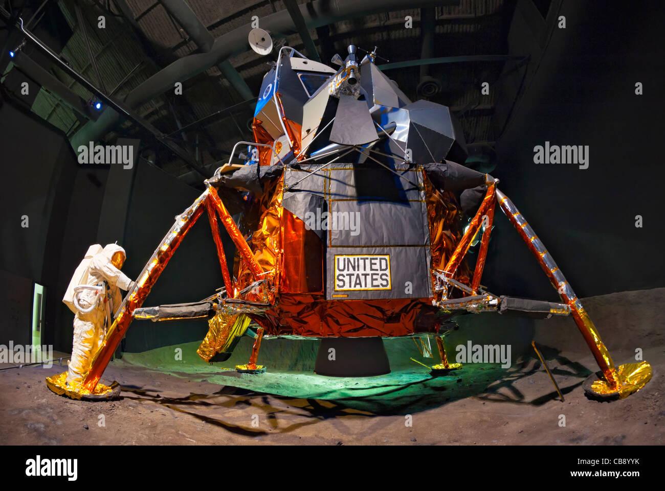 Lunar Module LM-13 (Apollo 18 mission), NASA astronaut spacesuit, Cradle of Aviation Museum exhibit, New York, USA, - Stock Image