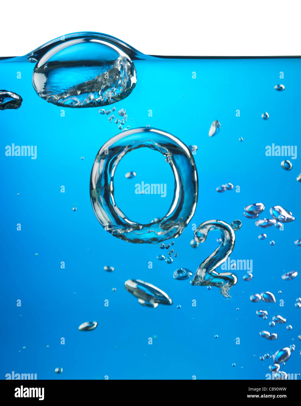 Formula of oxygen O2 with air bubbles underwater on blue background - Stock Image