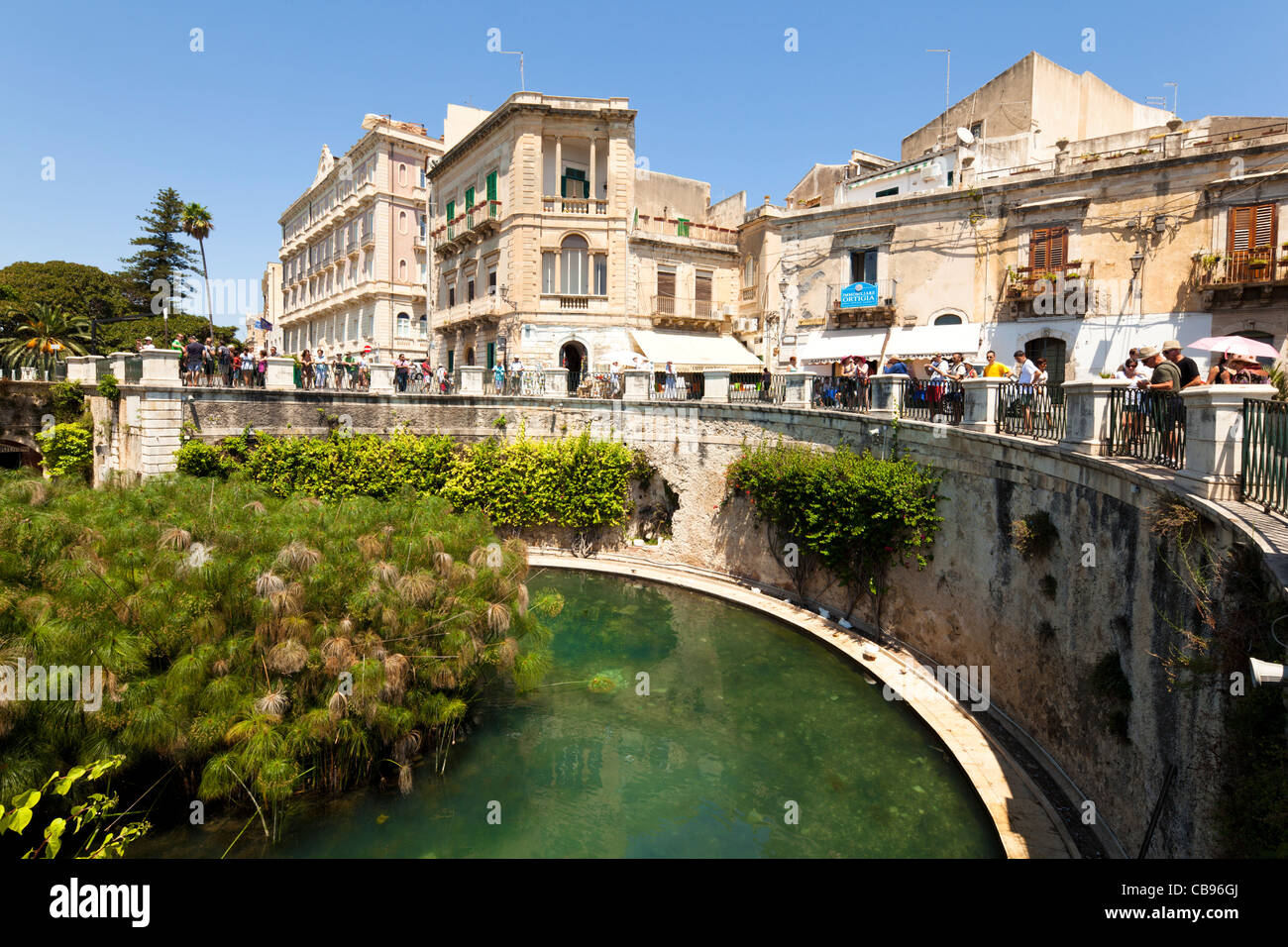 Freshwater well in Syracusa - Stock Image
