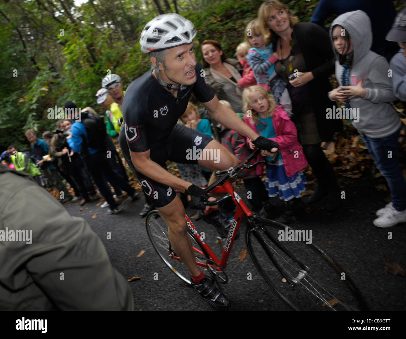 Oliver Nilsson-Julien - Rollapaluza Cycling Club takes on the challenge of the Yorks Hill climb thought to be the - Stock Image
