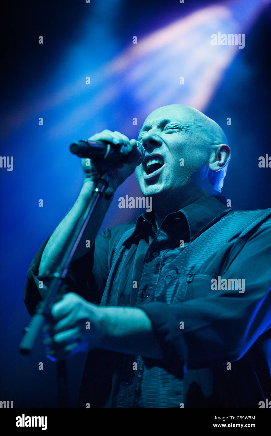 Lead singer Howard Devoto with his band, Magazine, performing at Shepherds Bush Empire, London, 10-11-11 - Stock Image