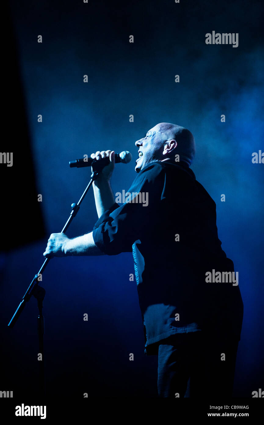 Lead singer Howard Devoto with his band, Magazine, performing at Manchester Academy 4-11-11 - Stock Image