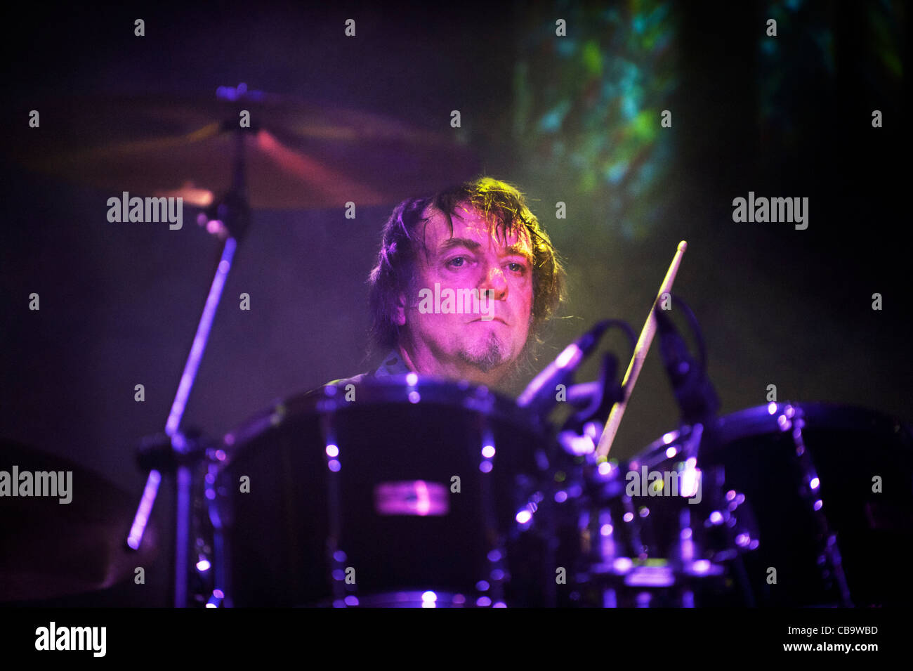 John Doyle, drumming with the band Magazine, Manchester Academy 4-11-11 - Stock Image