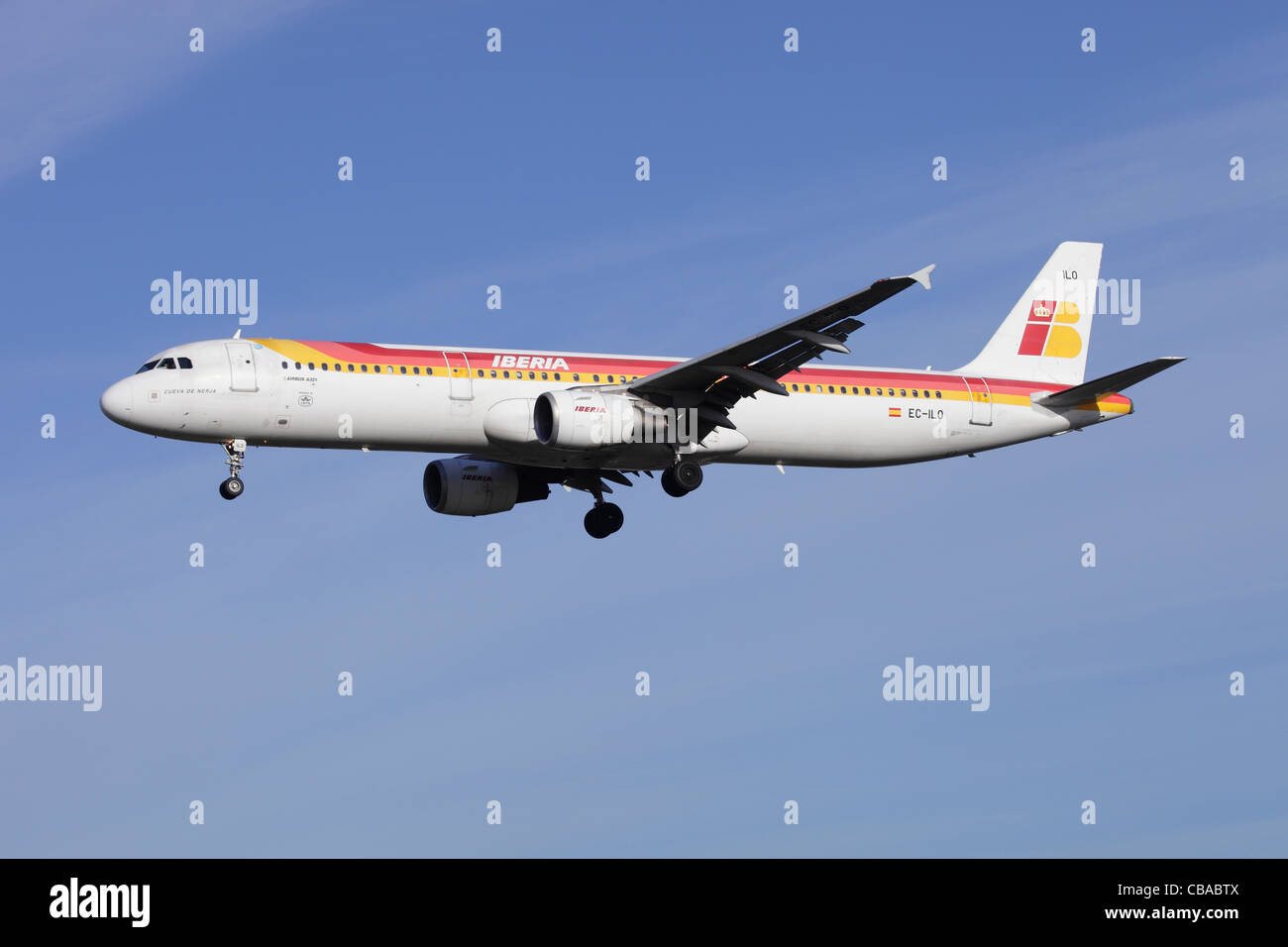 Iberia Airbus A321-211 EC-ILO on approach to Heathrow - Stock Image