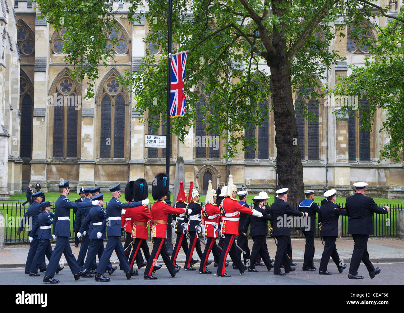 Members of Her Majesty's armed forces marching outside Westminster Abbey, Marriage of Prince William to Kate - Stock Image