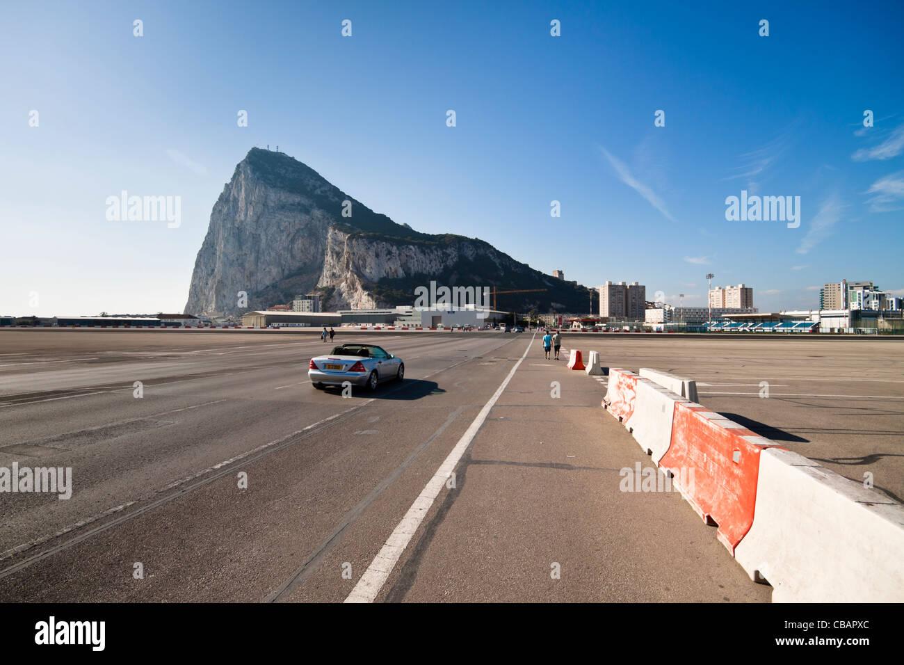 Road Crossing Airport Runway Stock Photos & Road Crossing