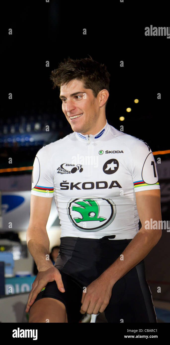 Professional Marvulli Franco prepares for the first Americaine race at Sixday-Nights Zürich 2011 at Zurich - Stock Image