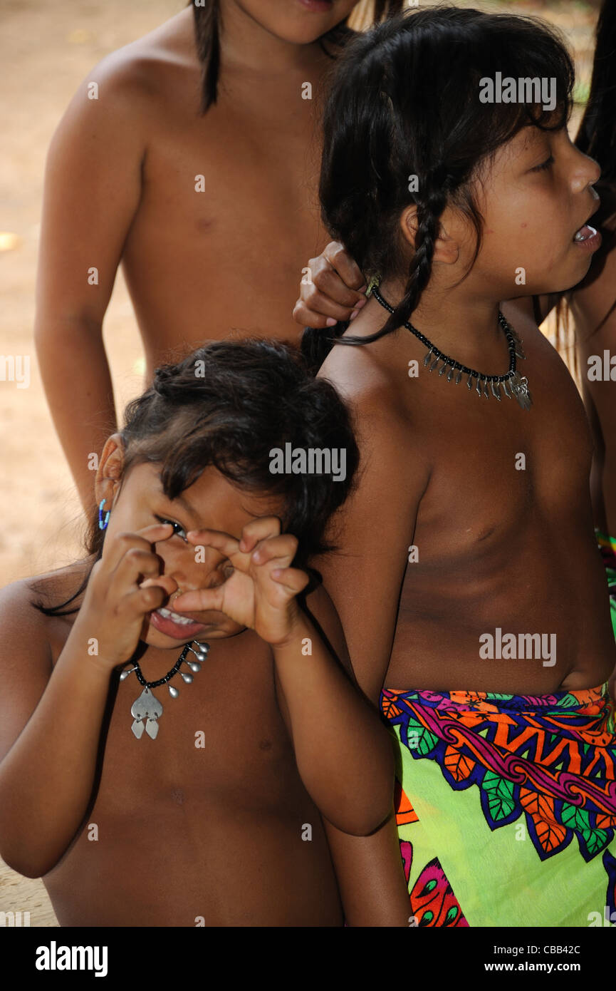 Little teen and tribu african - 2 3