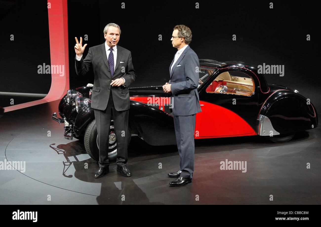 Wolfgang Dürheimer (right), Chairman and Chief Executive, Bentley Motors and Dr. Franz-Josef Paefgen, - Stock Image