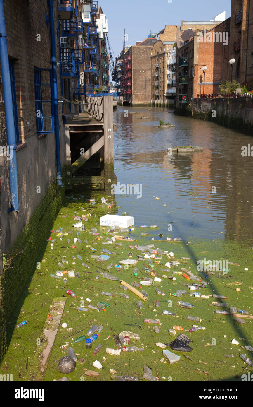 England, London, Pollution in the River Thames - Stock Image