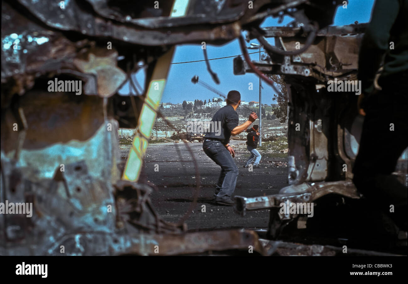 RAMALLAH One Friday of intifada 'Golf', War of stones in front of a barricade of Ramallah - Stock Image