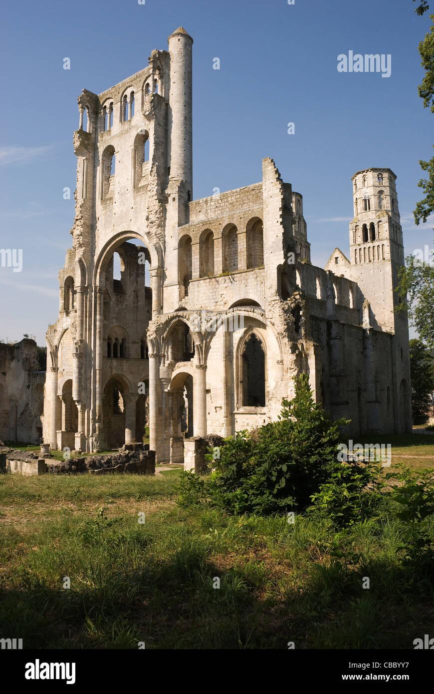 Elk196-1168v France, Normandy, Jumieges Abbey, Eglise Notre Dame 1067 Stock Photo