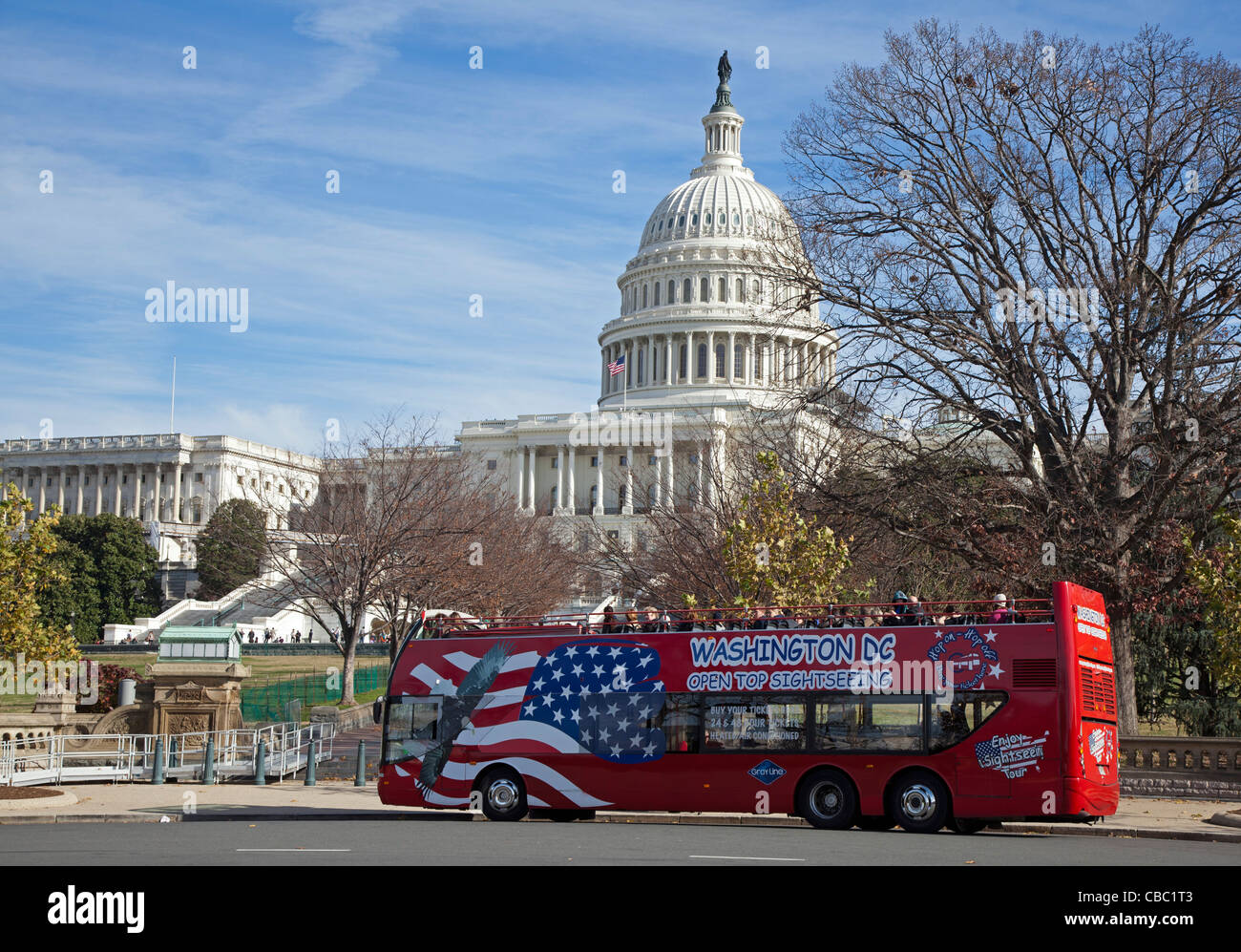 Washington, DC - A sightseeing bus at the U.S. Capitol. - Stock Image