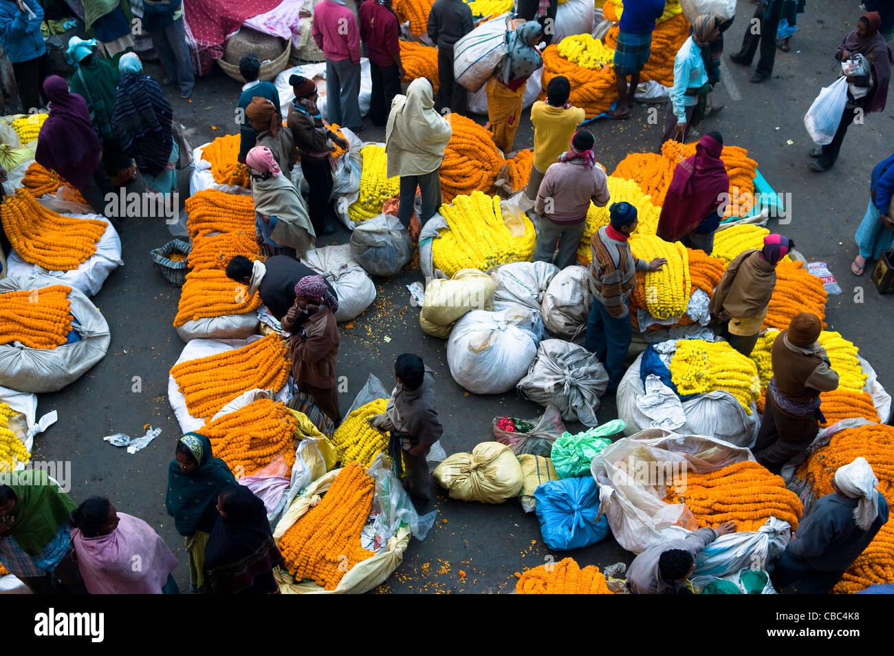 Flower market. Below Howrah Bridge. Calcutta (Kolkata) - Stock Image