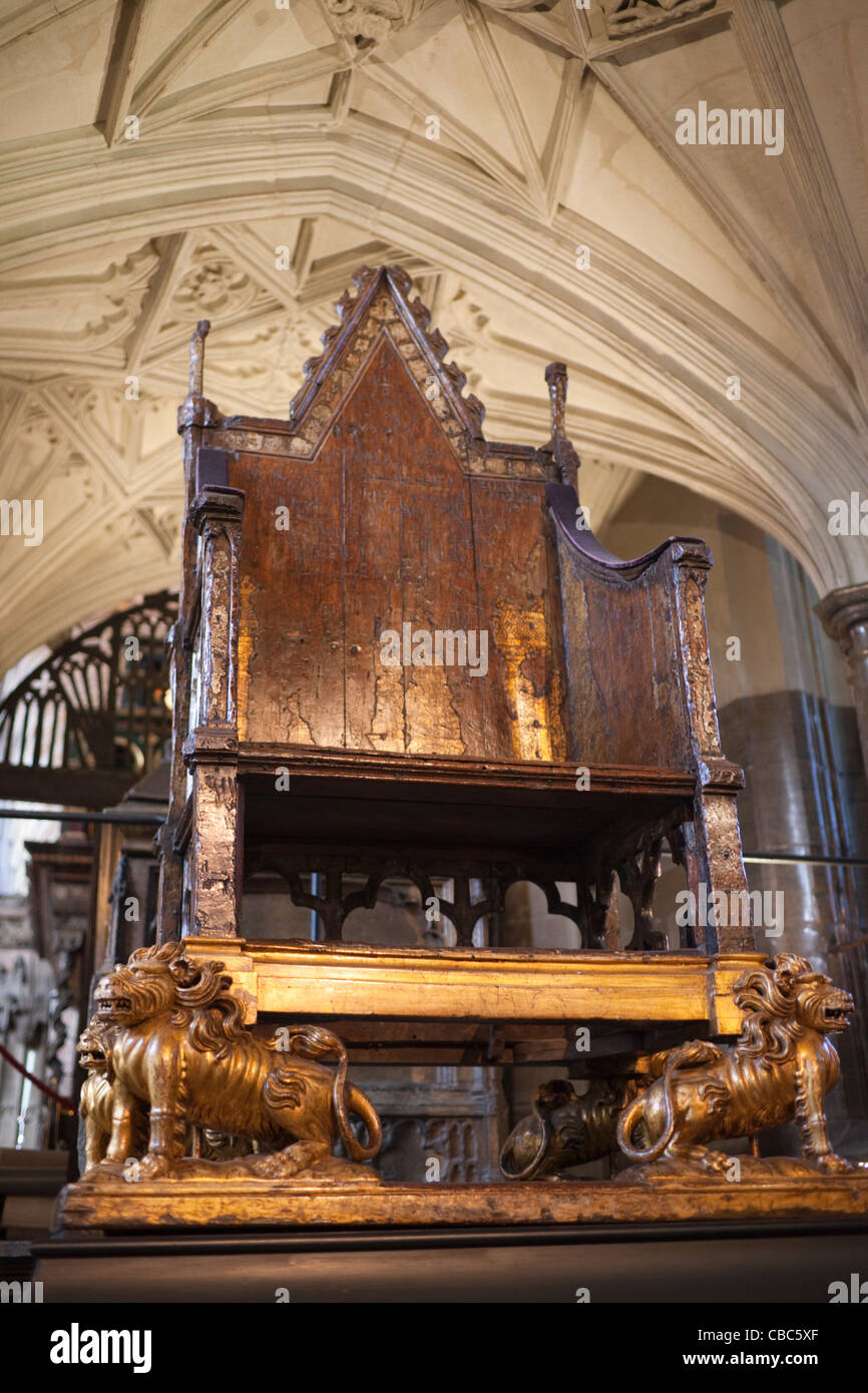 Coronation Throne made for Edward I to contain the Stone ... |Westminster Abbey Throne