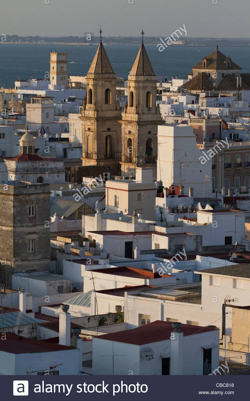 Aerial view of cathedral and rooftops - Stock Image