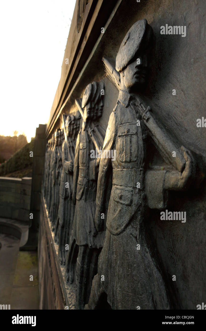 The Call 1914. Marching Scots soldiers are represented on the a war memorial in  Edinburgh, Scotland. Stock Photo