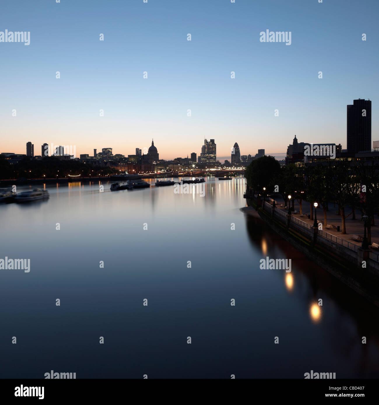 River running through city center - Stock Image