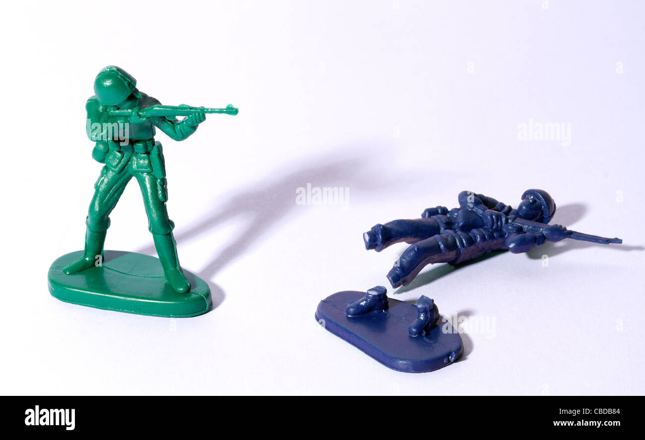 Two toy soldiers fighting Stock Photo: 41476180 - Alamy